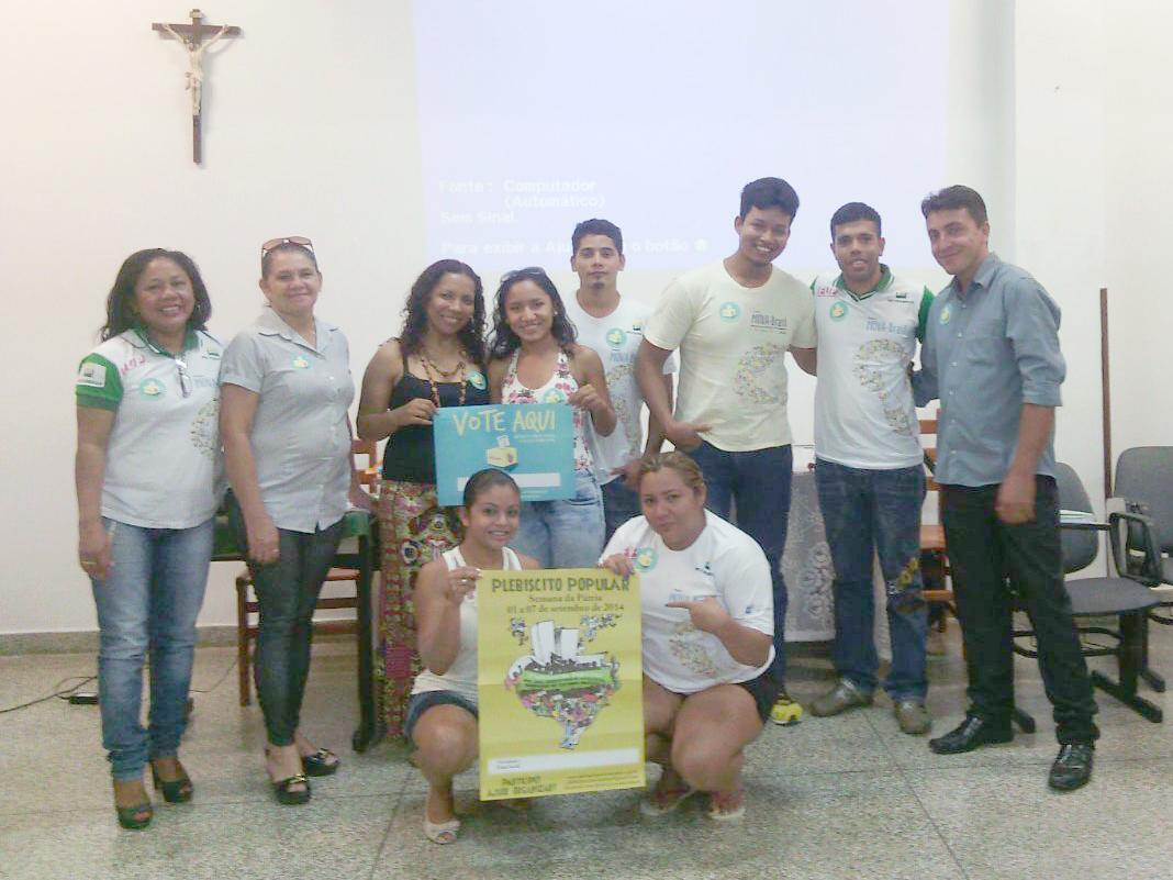 Reunião com Rosiete Barros duante formação mensal com cooordenadores locais (6)