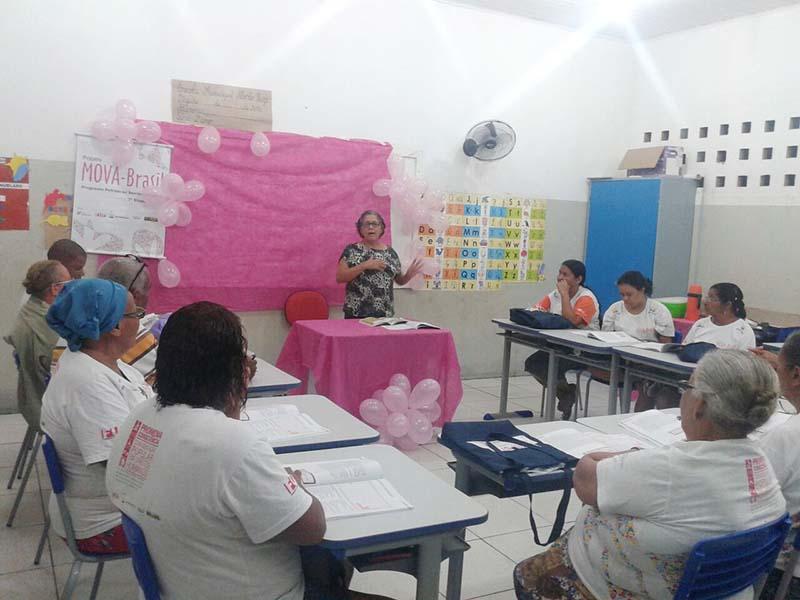 Movimento Ourubro Rosa em sala de aula