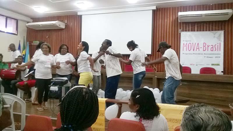 Apresentação cultural com os educandos no samba chulá 27-10-15