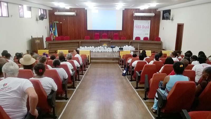 Partcipantes do encontro na Câmara de Vereadores de Madre de Deus 27-10-15